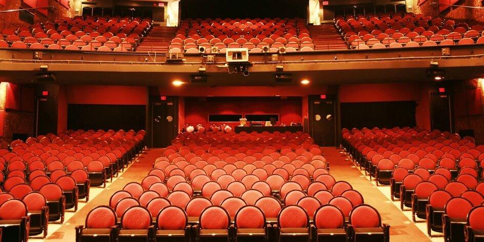Ako do divadla či na koncert? Priamo z pohodlia obývačky.