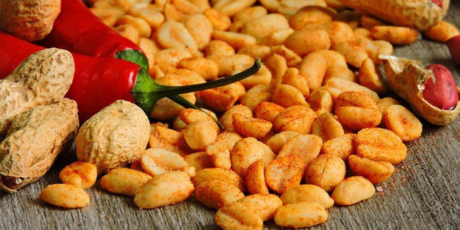 Pálivé arašidy s chilli, habanero a jalapeño