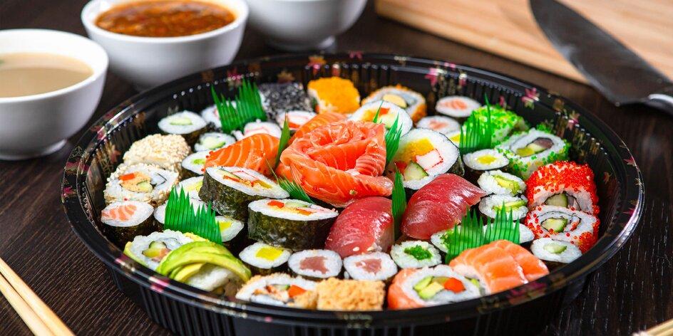 Naložené sushi sety z čínskej reštaurácie Peking