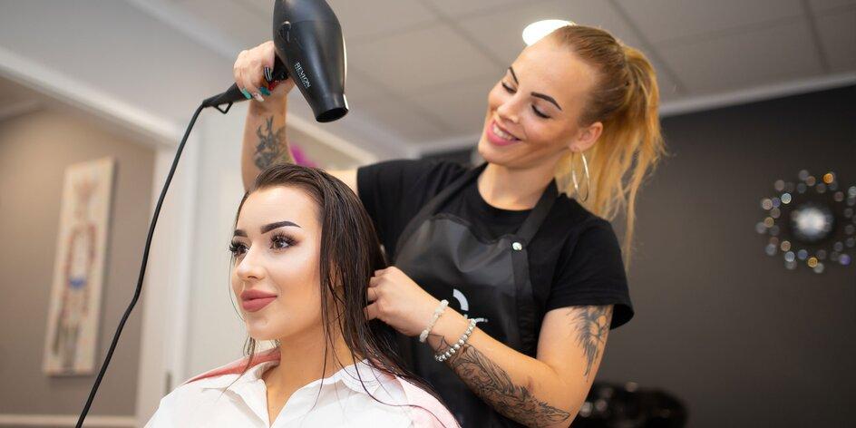 Regeneračný vlasový botox a podstrihnutie končekov