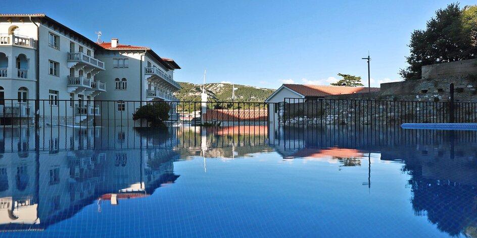 Prvotriedny pobyt v chorvátskom Rabe: raňajky, bazén a výhľad na more