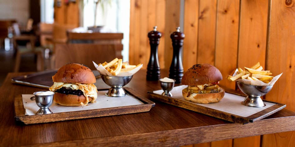 Colorado hamburger alebo Papas burger s dvojitou porciou syra