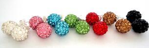 7 párov rôznofarebných visiacich alebo zapichovacích náušníc so swarovski…