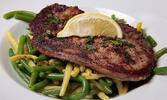 Rib eye steak, steak z tuniaka alebo slávky