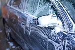 Umytie exteriéru auta s ručným pastovaním karosérie