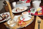 Domáca štrúdľa s kávou alebo čajom