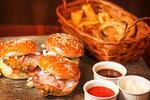 Burger či obrovská burgrová misa