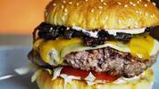 Perfektný burger v novootvorenej reštaurácii City Burger. Obohatené o chutnú…