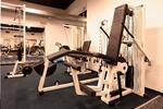Zacvičte si vo V-fitness! Jednorazový vstup s trénerom alebo mesačná permanentka