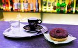 Espresso, Caffé Latte alebo Cappuccino a čokoládová šiška