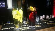 Ochutené Latte Machiato alebo varené víno so škoricou a ovocím