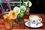 Exotická káva, osviežujúca limonáda + sladkosť