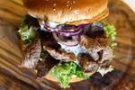 Burger zo 100 % steakového hovädzieho mäsa