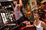 Cvičenie pre 1 či 2 ženy s fitness trénerkou