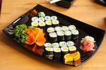 Lahodné sushi sety s polievkou