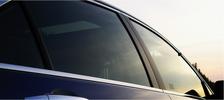 Aplikácia autofólií na sklá