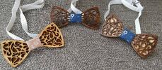Drevený ručne robený motýlik (tmavé drevo)
